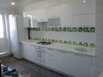 Пример кухни белого цвета